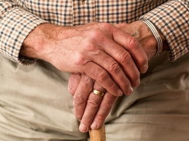 Alimentation et risque de chute chez les personnes âgées