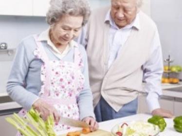 Sujets âgés: un statut nutritionnel « normal » peut masquer des apports insuffisants en protéines et une alimentation de faible qualité
